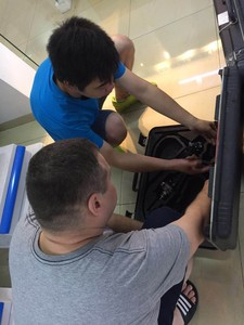 Flexible endoscope repair training for Russia trainee --Test the endoscope once received